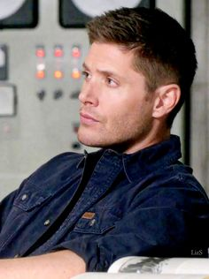 Jensen as Dean Winchester Dean Winchester, Winchester Brothers, Funny Supernatural Memes, Winchester Supernatural, Supernatural Fandom, Jensen Ackles, Jeffrey Dean Morgan, Jared Padalecki, Crazy People