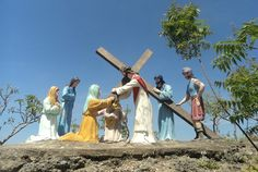 The famous site for Way of the Cross is Good Shepherd. My favorite location so far is in Mt. Calvary in Carmen, Cebu. Cebu, You May, Crosses, Statue Of Liberty, Philippines, Travel, Statue Of Liberty Facts, Viajes, Statue Of Libery