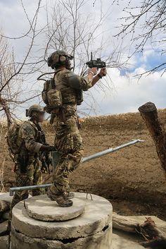 Guerra De Afganistán, Soldados De Guerra, Tropas, Fuerzas Especiales, Uniformes Militares, Mujer Soldado, Equipos Tácticos, Campo De Batalla, Armas Tácticas