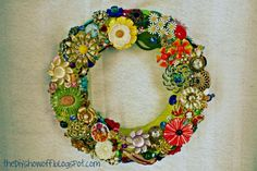 Brooch Wreath Tutorial/DIY Project Parade perfect idea for jewelry not in use...love it