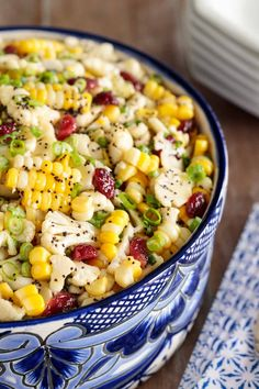 Loaded with healthy veggies, this Cauliflower and Fresh Corn Salad is crunchy and delicious. A sweet, tangy poppyseed dressing adds fabulous flavor! cauliflower salad Poppyseed Cauliflower and Fresh Corn Salad Eating Vegetables, Raw Vegetables, Veggies, Clean Eating, Eating Raw, Healthy Eating, Fresh Corn Salad, Corn Salads, Raw Vegetable Salad