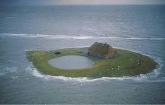 where Peer grew up: Hallig Hooge Funny Images, Best Funny Pictures, House Near Water, Safe Haven, Book Girl, Beautiful World, Places To Travel, Ocean, Island