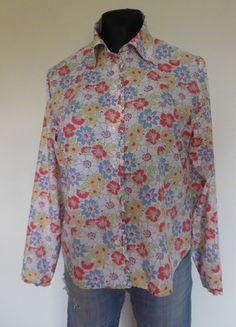 Kup mój przedmiot na #vintedpl http://www.vinted.pl/damska-odziez/koszule/9954714-boden-koszula-bluzka-floral-w-kwiaty-42