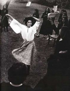 A Romani woman dancing.(... n thwn there is dancing ;)