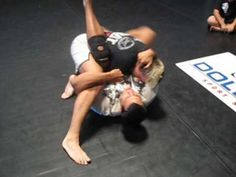 Vinny Magalhaes: Flower Sweep to Triangle Choke