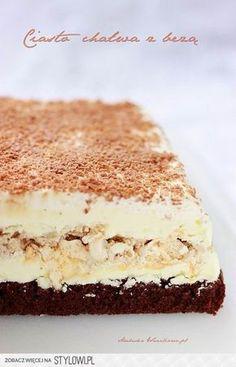 Ciasto chałwa z bezą Biszkopt: - 4 średnie jajka - 2/3… Polish Desserts, Polish Recipes, Sweet Recipes, Cake Recipes, Dessert Recipes, Potica Bread Recipe, Delicious Desserts, Yummy Food, Cake Bars