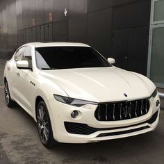 The brand new Maserati Levante! What are your thoughts? Courtesy of: @dailywatch  #StayGold