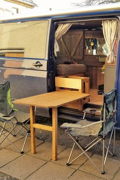 Eine Tisch Idee für den Camper Ausbau - before and after home decor Bus Camper, Camper Trailers, Car Wrap Design, Ford Transit Camper Conversion, Caravan Renovation, Storage Hacks, Van Storage, Camping Hacks, Auto Camping