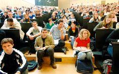 Studenten in Deutschland: So viele gab's noch nie  Rekord folgt auf Rekord auf Rekord: In diesem Wintersemester studieren  Männer und Frauen in Deutschland. Auch in den nächsten Jahren bleibt es an den Hochschulen eng.