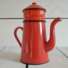 VINTAGE FRENCH BRIGHT RED ENAMEL COFFEE POT, £35.00