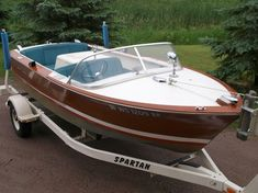 Super wooden boats for sale vintage ideas Wooden Boats For Sale, Wooden Speed Boats, Speed Boats For Sale, Ski Boats For Sale, Boat Shoes Outfit, Chris Craft Boats, Boat Illustration, Classic Wooden Boats, Plywood Boat Plans