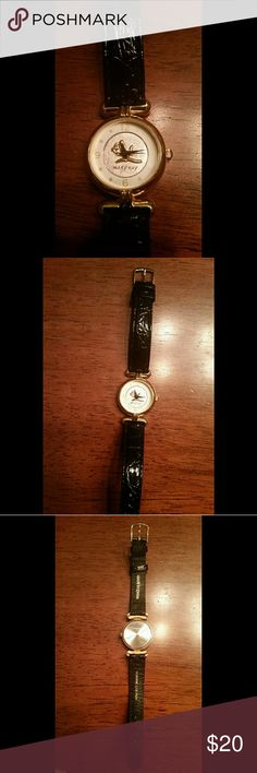 Mary Kay Watch Womens watch Mary Kay brand *Has a brand new band that's real leather *Has a small scratch on the back but it still looks very new Accessories Watches