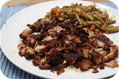 Op dit eetdagboek kookblog : Indonesische Pulled Pork met Toemis Boontjes - Al een tijdje geleden vond ik dit recept van Pulled Pork op internet, bij Eetaspiratie om precies te zijn. Zij maakte er een Indonesische variant er van in