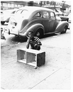 Richard Avedon New York Life #10: Harlem, New York 1949.