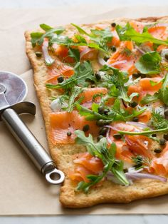 Smoked Salmon Pizza 30 Cool And Easy Dinners To Make Every Night In June Pizza Recipes, Seafood Recipes, Cooking Recipes, Healthy Recipes, Dinner Recipes, Drink Recipes, Healthy Meals, Easy To Make Dinners, Easy Meals