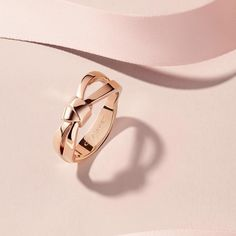 Chaumet The new Liens Séduction ribbon ring, romantic and playful.