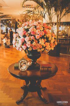 decoração de casamento em tom sobretom de rosa.
