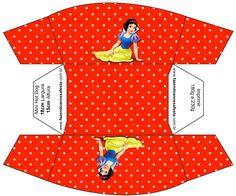 http://fazendoanossafesta.com.br/2013/09/branca-de-neve-kit-completo-com-molduras-para-convites-rotulos-para-guloseimas-lembrancinhas-e-imagens-2.html