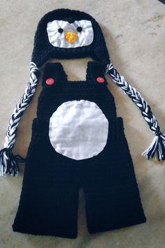 Conjunto de gorro e macacão confeccionados em crochê em fio antialérgico  Detalhes - acompanha lacinho não fixo para usar em meninas  Cor preto  Tamanhos RN/ 1 a 3/ 3 a 6 meses
