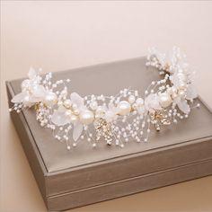 Diy Pearl Hair Accessories, Bridal Accessories, Boho Wedding Hair, Wedding Headband, Big Flowers, Bridal Flowers, Pearl Headband, Headband Hairstyles, Hair Jewelry