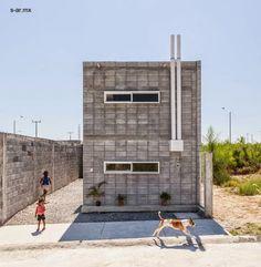 Casa de presupuesto bajo en Nuevo León México programa comunitario vivienda moderna hecha con lo mínimo