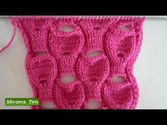 Punto (puntada) con HUECOS. Tejido con dos agujas # 376 Videotutorial - YouTube Knit Purl Stitches, Knitting Stiches, Cable Knitting, Knitting Videos, Hand Knitting, Knitted Poncho, Knitted Blankets, Knitting Designs, Knitting Projects