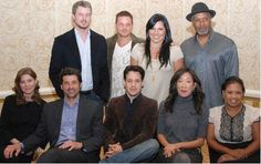 Here's a fun picture of the Grey's Anatomy cast (minus only Chyler Leigh and Katherine Heigl) at a September 27 press conference. Greys Anatomy Characters, Greys Anatomy Cast, Greys Anatomy Memes, Grey Anatomy Quotes, Meredith Grey, Meredith And Christina, Derek Shepherd, Grey Anatomy Season 10, Grey's Anatomy Wallpaper