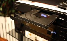 Jednoduchý blu-ray přehrávač od Pioneer. Nic víc, nic méně...  Další dojmy v recenzi --> http://www.hifi-voice.com/testy-a-recenze/prehravace-pro-domaci-kino/1275-pioneer-bdp-x300