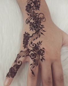 "30 Likes, 1 Comments - Sanaa Khan (@henna.by.sk) on Instagram: ""Another hand done for my cousin...the rosy design... inspired by the amazing #nurahshenna once…"""