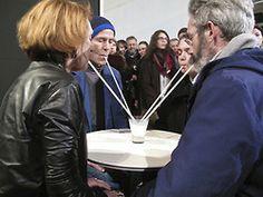 Jean-Luc VilmouthMilk science, 2013.Performance. Avec Jany Lauga, Alice Rivey etPhilippe Ricchiero.Performance réalisée pour l'exposition «Souffrir ensemble» en février 2013 à l'École nationale supérieure des Beaux-arts de Paris.http://www.jlvilmouth.com/vilmouth.com/