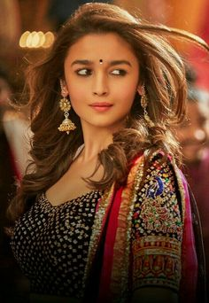 Bollywood fashion 809944314207680218 - Alia Bhatt is a lovely girl in the history of actresses. Bollywood Stars, Bollywood Fashion, Bollywood Gossip, Bollywood Oops, Bollywood Photos, Indian Celebrities, Bollywood Celebrities, Beautiful Bollywood Actress, Beautiful Actresses