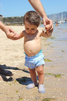 DIY How to make lycra children's bathing suit (free patterns) Baby Sewing, Bathing Suits, Free Pattern, Diy Crafts, Children, How To Make, Collages, Patterns, Dots