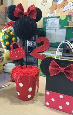 Ideas Birthday Girl Theme Minnie Mouse para 2019 - Clara Wish Minnie Mouse Theme Party, Minnie Mouse Birthday Decorations, Minnie Mouse 1st Birthday, Red Minnie Mouse, 2nd Birthday, Minnie Mouse Pinata, Creations, Goody Bags, Belem
