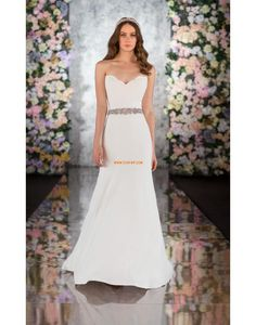 Designer wedding dresses by Essense of Australia. Browse our award-winning collection of wedding gowns with exquisite details and romantic finishes. Wedding Dress Gallery, Wedding Dress Pictures, Designer Wedding Gowns, Formal Dresses For Weddings, Wedding Dresses Photos, Wedding Dress Styles, Bridal Gallery, Formal Wedding, Elegant Wedding