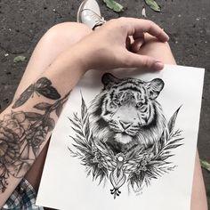 Back arm tattoo Tribal Tattoos, Feather Tattoos, Love Tattoos, Beautiful Tattoos, Body Art Tattoos, Small Tattoos, Tattoos For Women, Tattoo Drawings, Tattoo Ink
