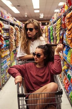 Bff photoshoot Woman Jackets and Blazers denim jacket zara woman Bff Pics, Photos Bff, Cute Friend Pictures, Cute Photos, Bff Images, Squad Photos, Photo Adolescent, Shooting Photo Amis, Best Friend Fotos