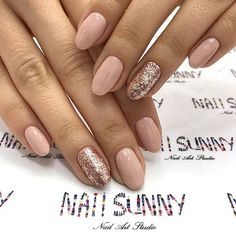 Nail art Christmas - the festive spirit on the nails. Over 70 creative ideas and tutorials - My Nails Gold Gel Nails, Rose Gold Nails, Sparkle Nails, Shellac Nails, Gell Nails, Pink Wedding Nails, Gel Nagel Design, Neutral Nails, Nagel Gel
