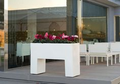 Muro - Designer trough planter on legs with easy watering system online at potstore.co.uk