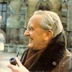 History of J.R.R. Tolkien: A 100-Year Love Affair #HistoryOfTheHolidays http://billpetro.com/history-of-jrr-tolkien/