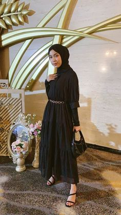 Casual Hijab Outfit, Ootd Hijab, Casual Outfits, Hijab Fashion, Girl Fashion, Fashion Dresses, Hijab Dress Party, Kebaya Dress, Kebaya Muslim