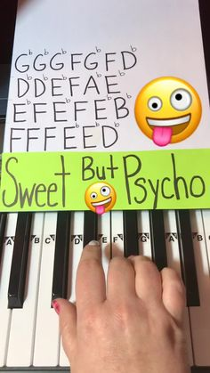 How to play Sweet But Psycho on Piano by Ava Max – Musical Instruments Piano Sheet Music Letters, Piano Music Easy, Piano Music Notes, Violin Sheet Music, Music Chords, Music Music, Keyboard Piano, Piano Tutorial, Piano Lessons
