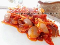 Resep Sambal Bawang   Resep Masakan Indonesia (Indonesian Food Recipes) Indonesian Sambal Recipe, Indonesian Cuisine, Indonesian Recipes, Asian Cake, Malay Food, Asian Recipes, Love Food, Food And Drink, Cooking Recipes
