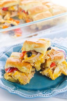 3 Enchilada Sliders stacked on a blue plate Family Fresh Meals, Easy Family Dinners, Quick Easy Meals, Family Recipes, Yummy Chicken Recipes, Mexican Food Recipes, Ethnic Recipes, Easy Recipes, Dinner Recipes