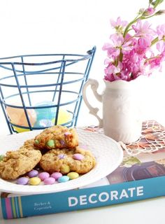 an easter themed style shoot at my new website!! http://heatherspriggs.com
