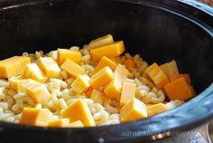 Crock Pot Mac n Cheese - Probably the best Mac N Cheese I've ever had, and it's SO easy! When there's a potluck at school, I make the pasta and cut up the cheese the night before, then layer it up in the crockpot in the morning. Crock Pot Food, Crockpot Dishes, Crock Pots, Slow Cooker Recipes, Crockpot Recipes, Cooking Recipes, Cheese Recipes, Crockpot Mac And Cheese, Mac Cheese