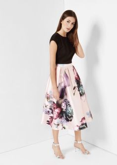 Wedding guest skirt outfit summer 46 ideas for 2019 Pretty Outfits, Pretty Dresses, Pink Dresses, Modest Fashion, Fashion Dresses, Look Formal, Wedding Guest Style, The Dress, Dress Skirt