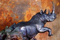 A treasure trove of fine bronze sculptures and original gold and silver jewellery can be found at the studio of Michael Mawdsley. www.midlandsmeander.co.za