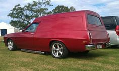 Holden Panelvan Australian Muscle Cars, Aussie Muscle Cars, Mini Vans, Girls Driving, Cool Vans, Luxury Suv, All Cars, Station Wagon, General Motors