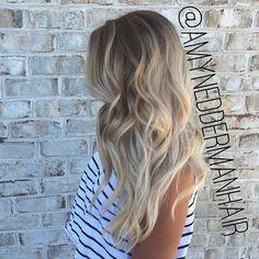 long wavy hair with blonde balayage