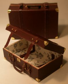 Brown Leather Large Suitcase by Jose Gomez